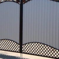 Как выбрать ворота для дачи?